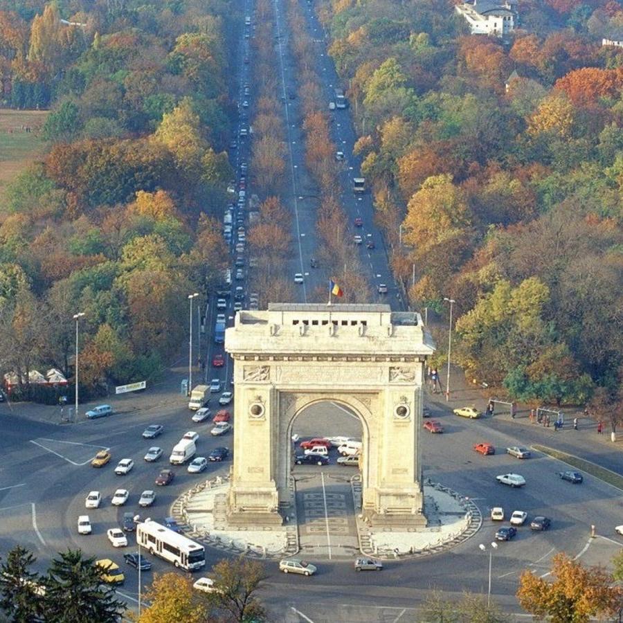 Румънска приказка - Букурещ, Брашов, замъците Пелеш и Дракула