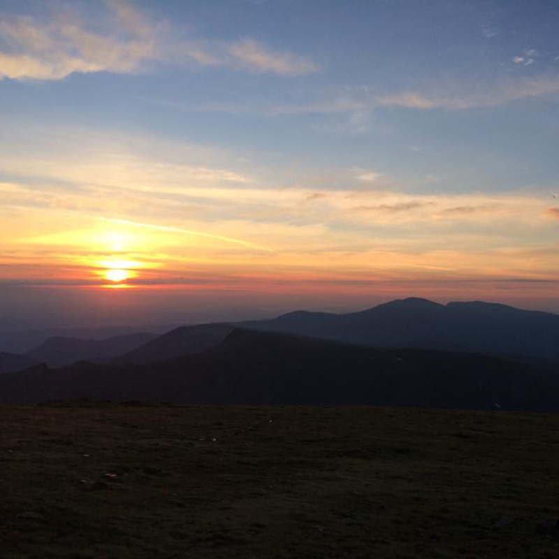 Посрещане на изгрева и гледане на залеза на връх Ботев с преход до Райското Пръскало